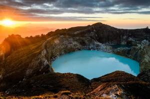 Разноцветные озера