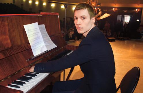 пианист без пальцев