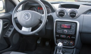 Renault DUSTER руль