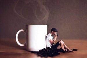 мужчина с кофе