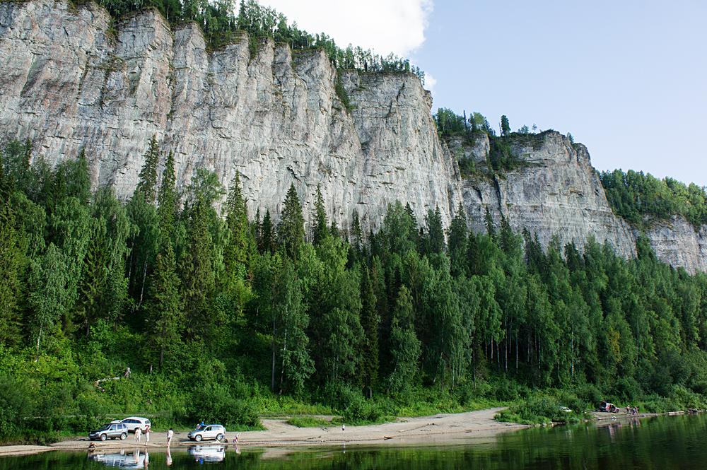 Скальная гряда Ветлан на реке Вишера