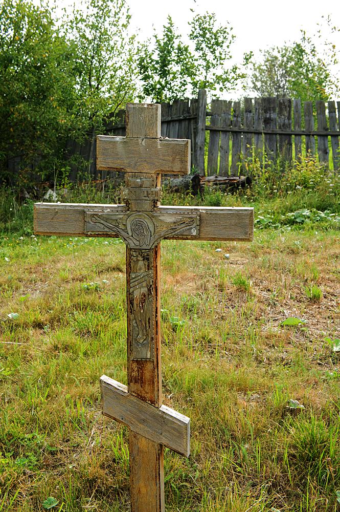 Древнее захоронение около храма Святой Троицы