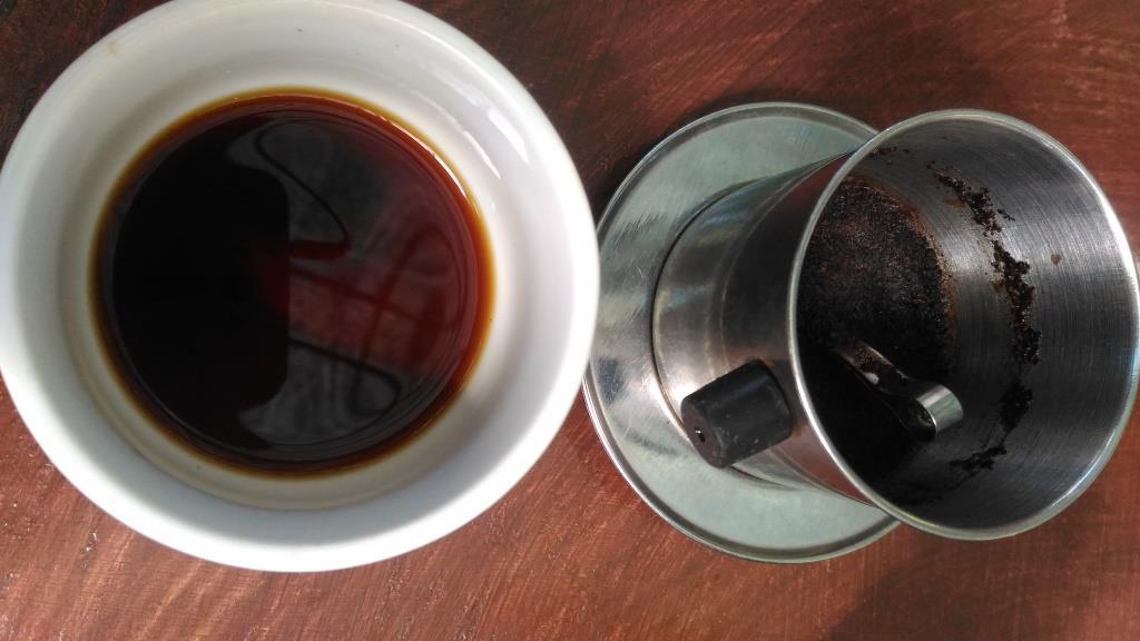 Кофе лювак, заваренный в традиционном заварничке. Имеет легкий ванильный оттенок