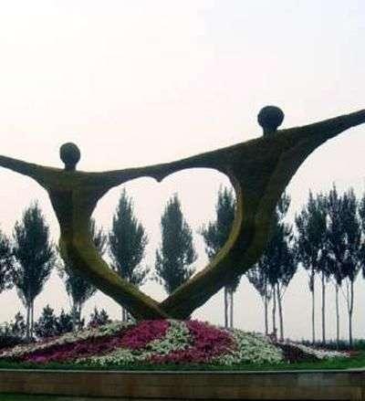 скульптура влюблённых китай
