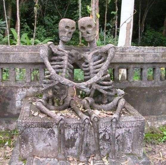 влюблённые скелеты