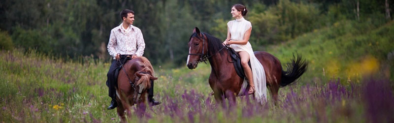 конная прогулка в подарок на 8 марта