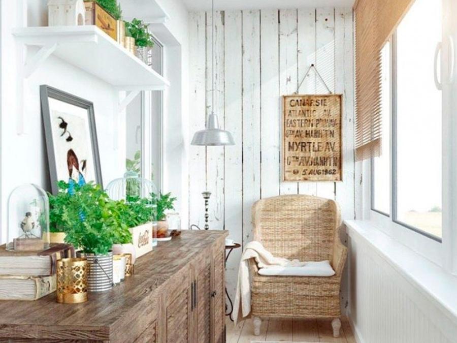 Дизайн балкона - классика и уют.