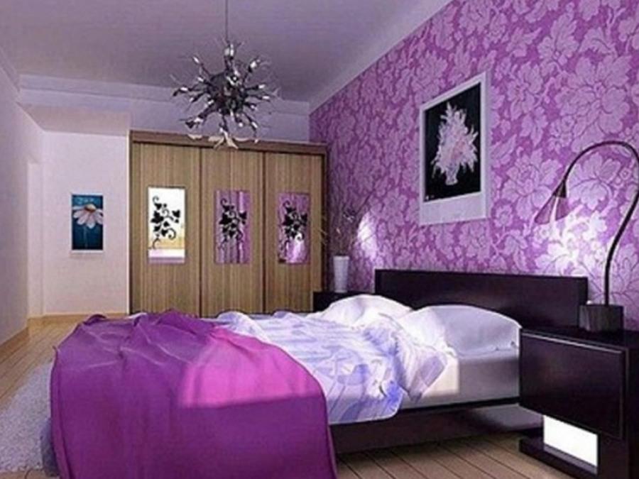 Дизайн спальни выполняется в одном стиле.