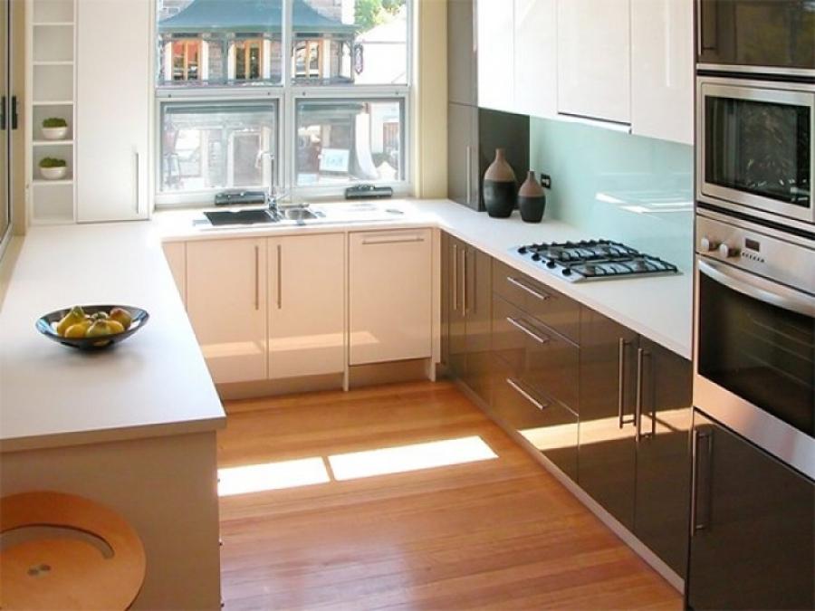 П образный интерьер для маленькой кухни