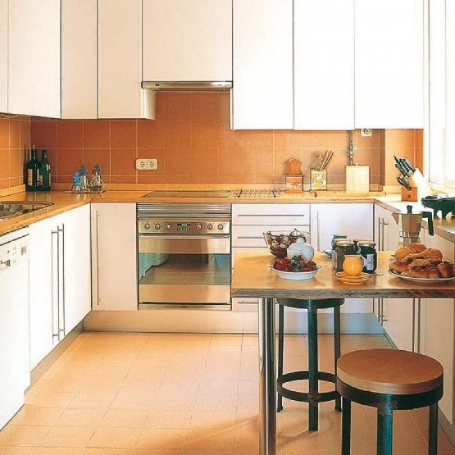 Варианты кухонных столов