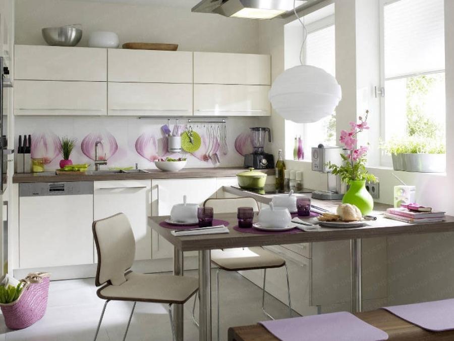 Как правильно расположить стол на кухне