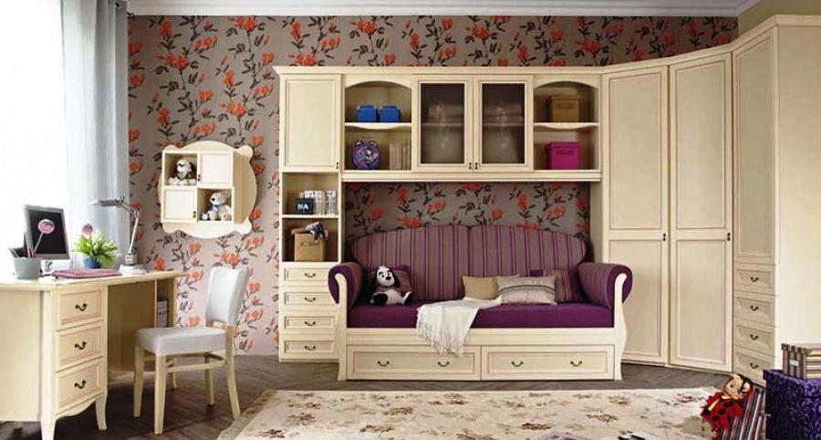Детская комната может быть удобной и строгой, а может - веселой и современной.