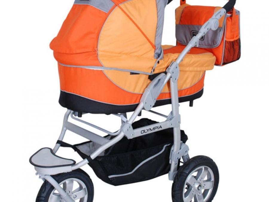 Модная коляска для малыша