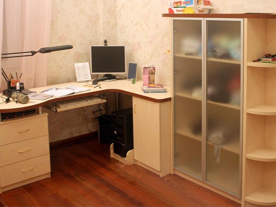 Письменные столы для угла