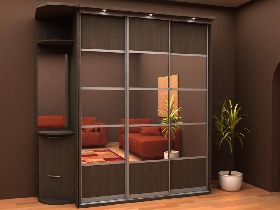 Небольшой шкаф-купе может разместиться в прихожей или в любой комнате.