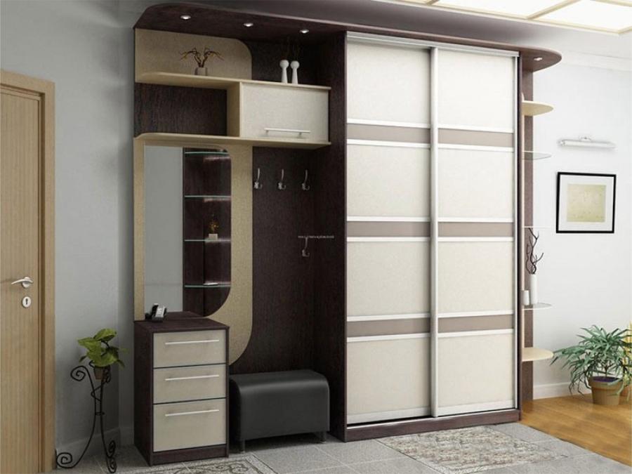 Шкафы и полки в прихожей