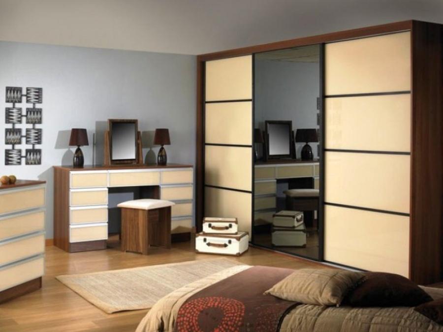 Выбираем современный шкаф купе в спальню