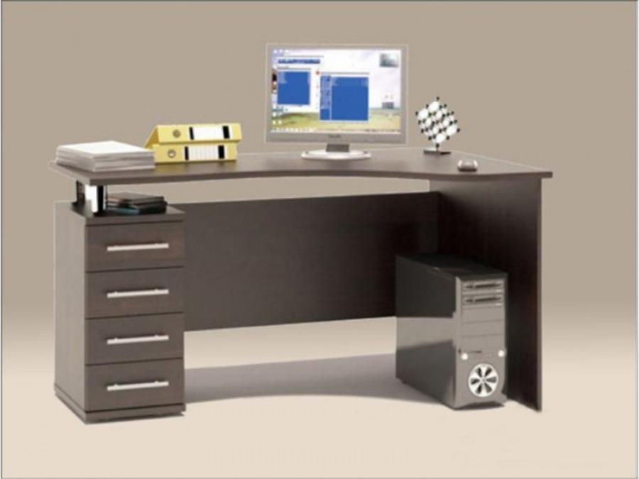 Компьютерный стол может быть большим или маленьким, все зависит от ваших потребностей.