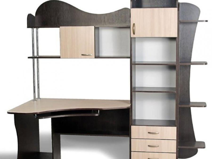 Стол со стеллажами - удобное решение