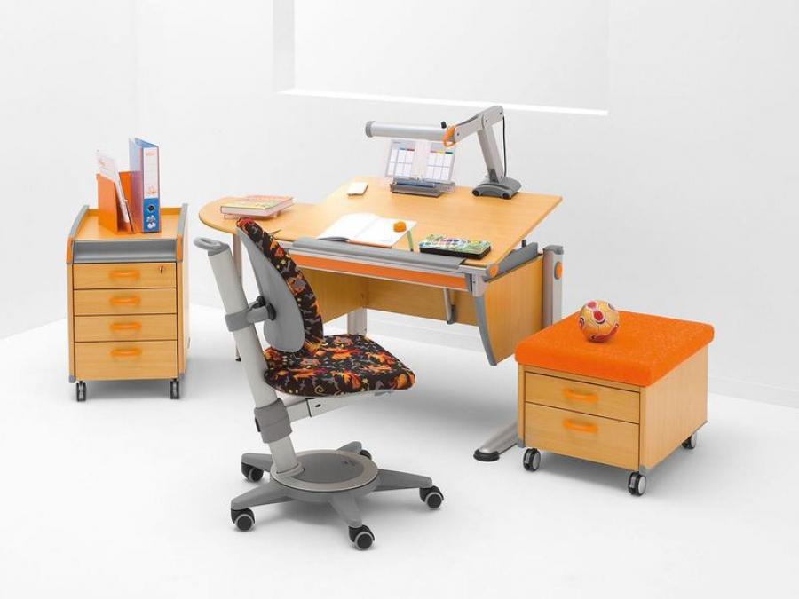 Письменные столы на выбор
