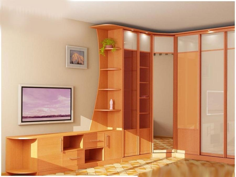 Деревянный шкаф-купе  с зеркальными вставками