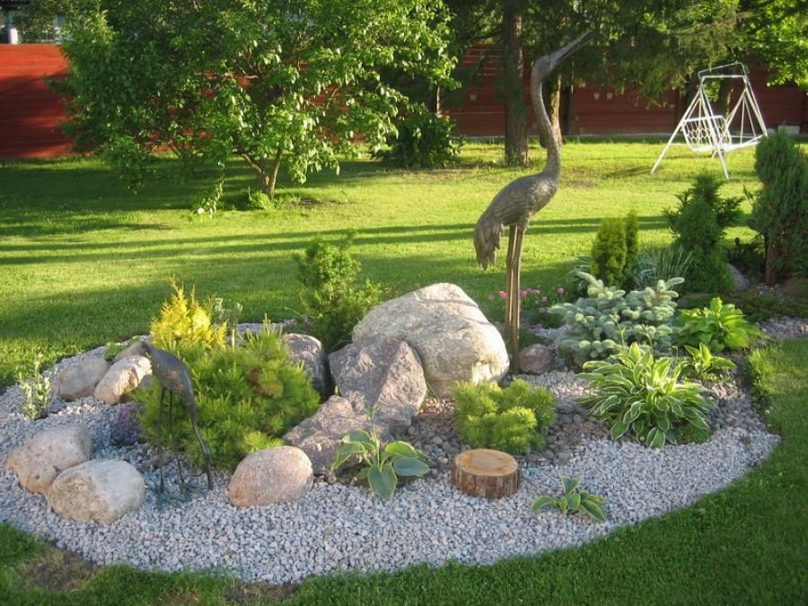 Ландшафтный камень в оформлении сада