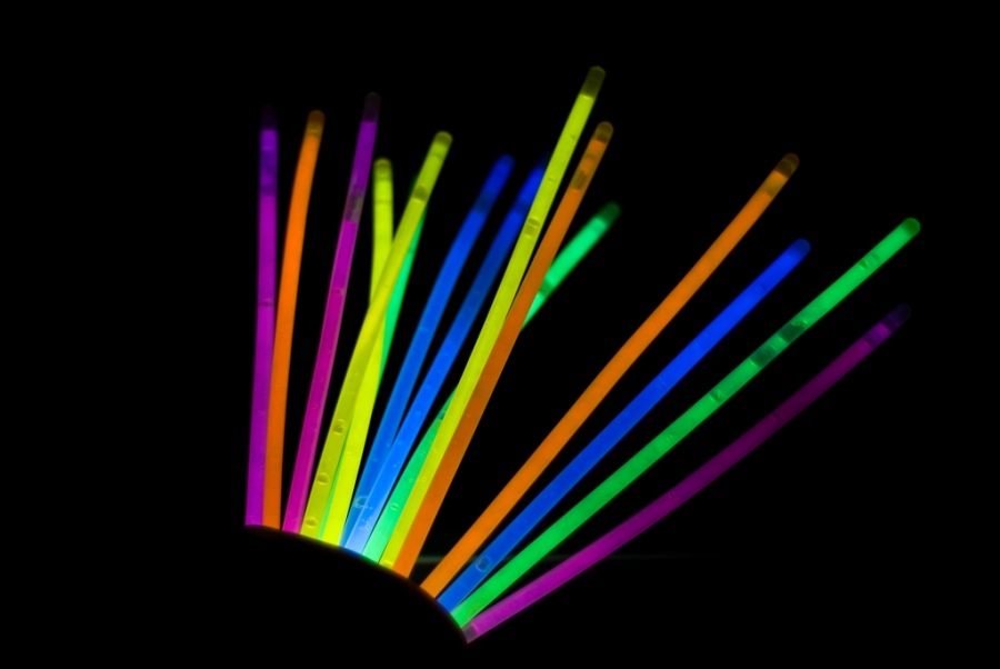Как сделать светящуюся палочку?