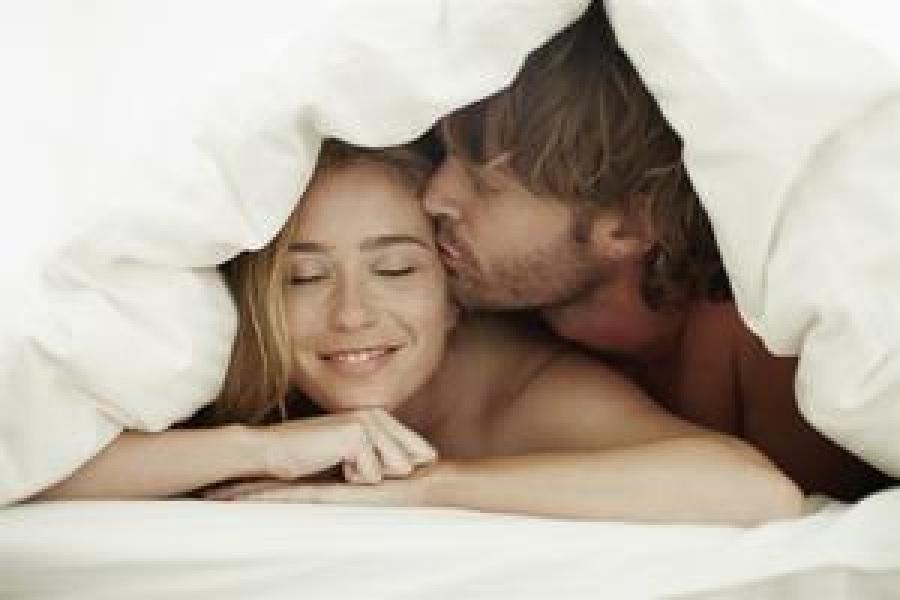 Как правильно лишить девушку девственности: мифы, подготовка к сексу, как возбудить и что делать