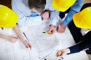 Инженеры готовят проектно-сметную документацию и контролируют сроки и качество работ