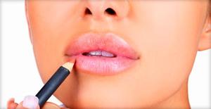 Макияж губ с помощью карандаша