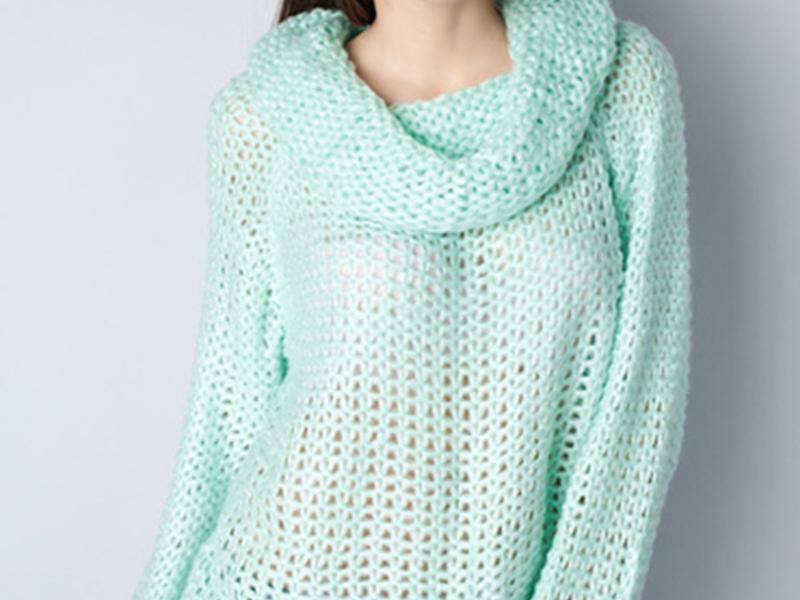 Мятный вязанный свитер