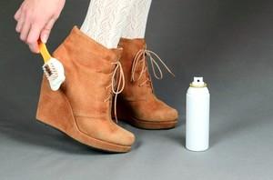Как правильно чистить замшевую обувь