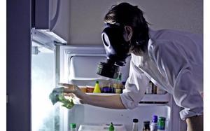 Почему в холодильнике плохо пахнет