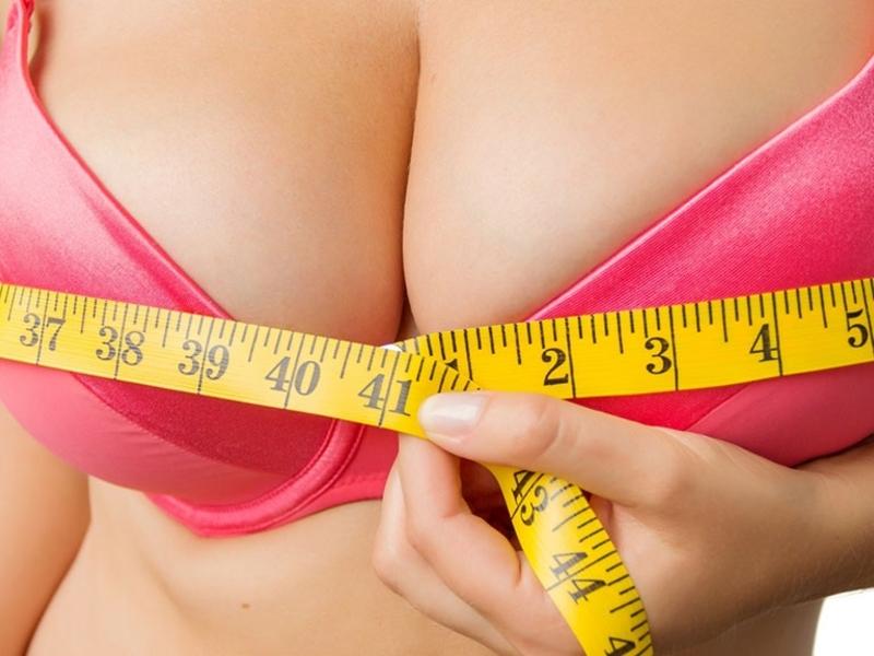 Преимущества второго размера груди