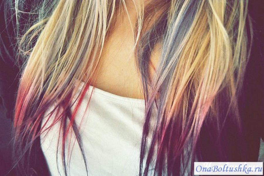 Яркое цветное колорирование кончиков волос