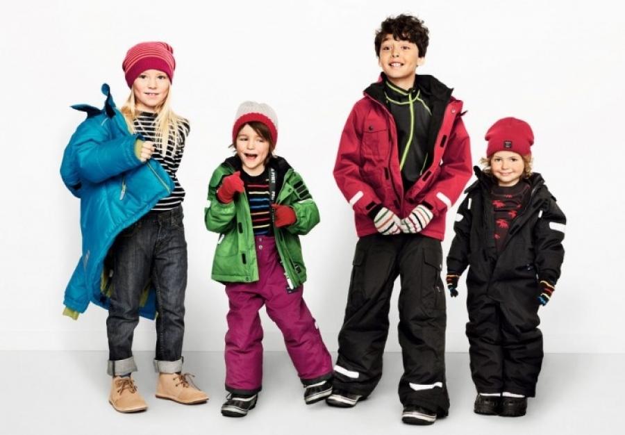 Утепляем ребенка к осени: как правильно выбрать детские плащи и другую верхнюю одежду