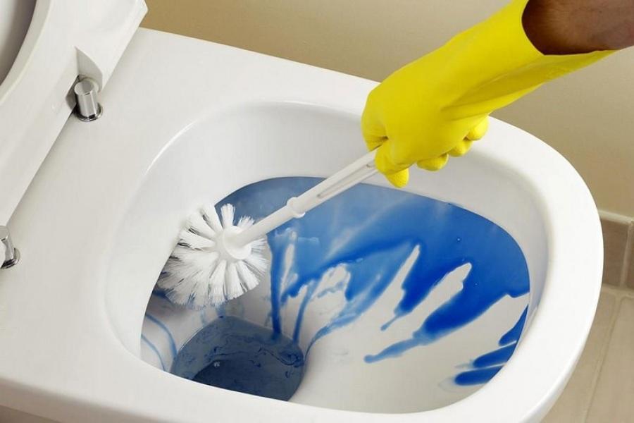 Как просто очистить унитаз от ржавчины