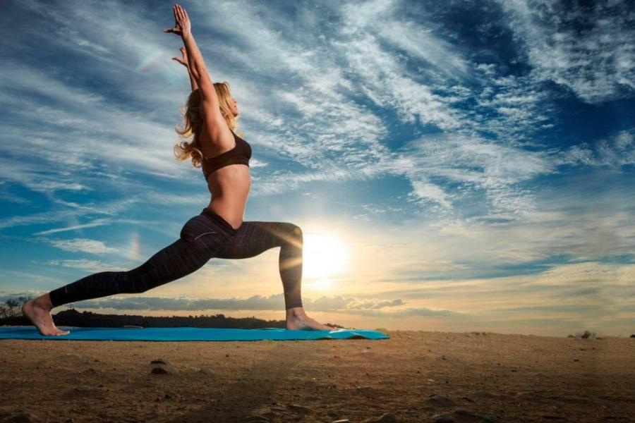 Йога для начинающих: как заниматься в домашних условиях